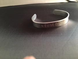 Gegraveerde armband smal