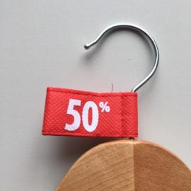 Kledinghanger label vaantje rood -50%- 10 stuks Td04006050W