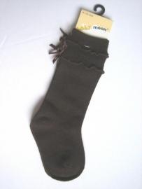 Babykniekous donker bruin met strikjes en ribbel