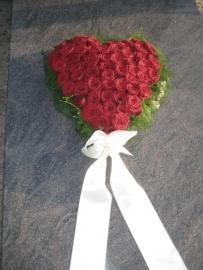 Hart 1 met rode rozen (40 cm)