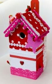 (Muziek) Vogelhuisje  Rood met roze (nr. 38)