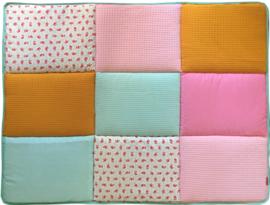 Boxkleed / Speelkleed: Een Snoepje Roze Mintgroen en Okergeel