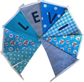 Vlaggetjes met naam: ontwerp Levi blauw