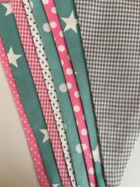 Vlaggetjes met naam: ontwerp Puck poedergroen lichtroze