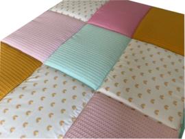 Boxkleed/ Speelkleed: Regenboogjes 75 x 95 cm