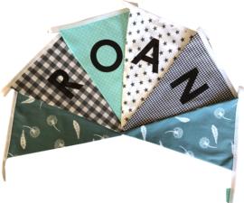 Vlaggetjes met naam: ontwerp Roan zeegroen grijs