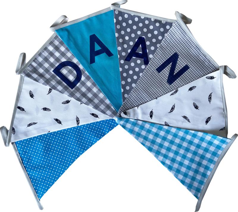 Vlaggetjes met naam: ontwerp Daan Veertjes