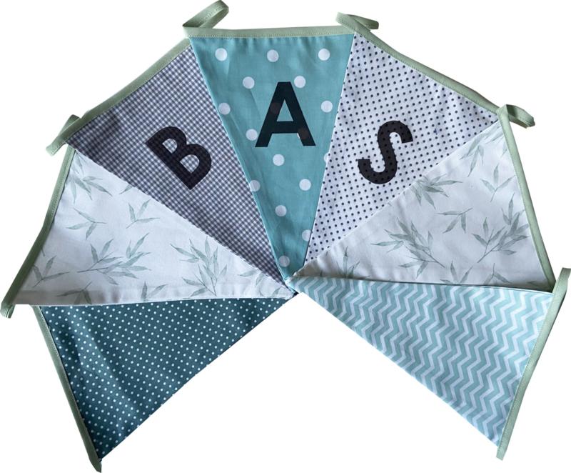Vlaggetjes met naam: ontwerp Bas Bamboe