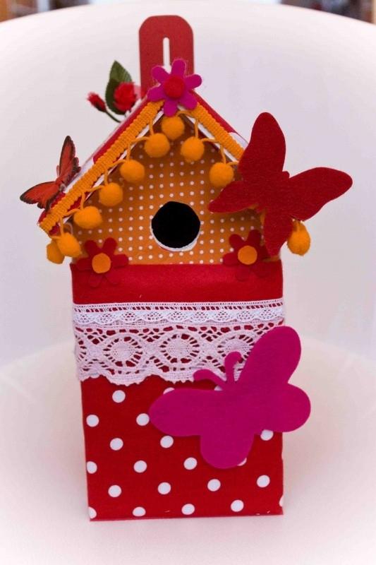 (Muziek) Vogelhuisje  Rode stippen met oranje (nr. 41)