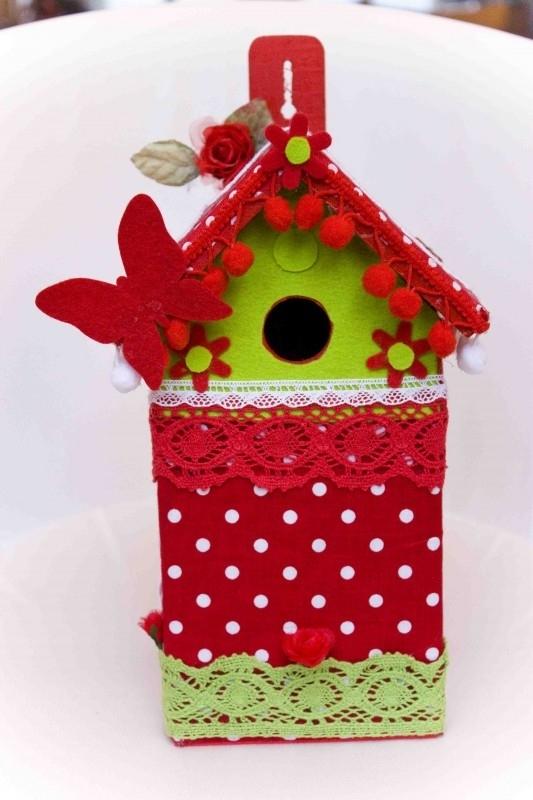(Muziek) Vogelhuisje Rode stippen en groen (nr. 45)