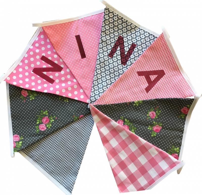 Vlaggetjes met naam: ontwerp Nina