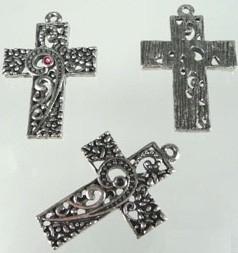 Hanger metalen kruis met sterren en hartjes