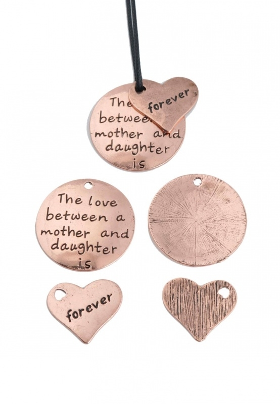 Hanger The love between mother and daughter is forever