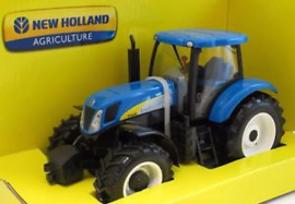 Tractor 1:32 New Holland T7000