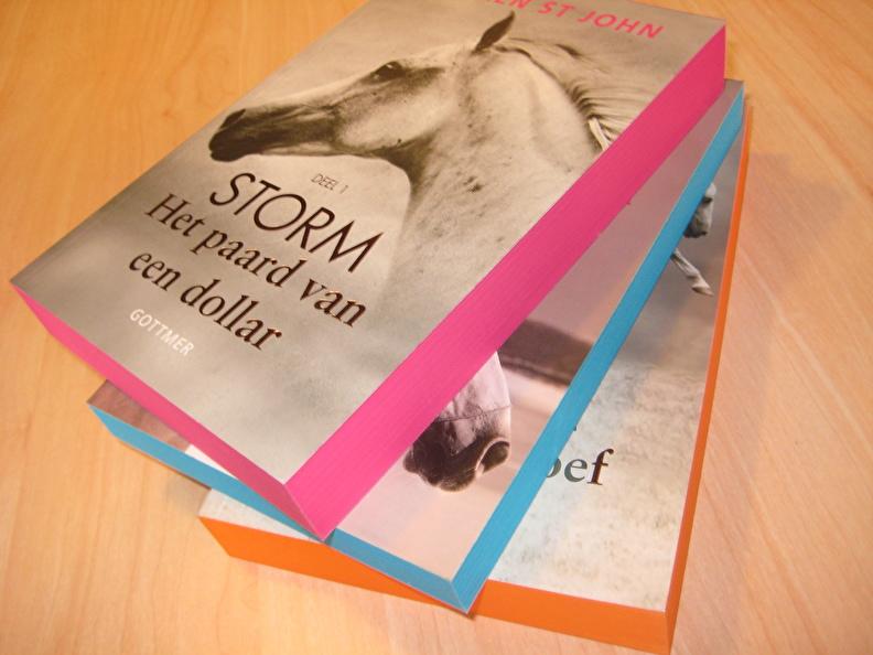 Lauren St John schreef de serie Storm