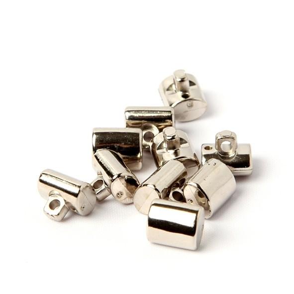 Zilverkleurige knoopjes