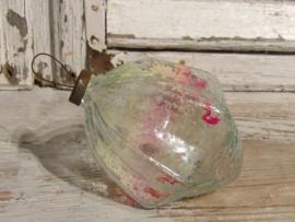 Oud kerstornament van dik glas