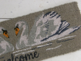 Smalle deurmat  met zwanen