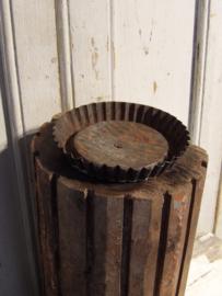Kandelaar van oud hout