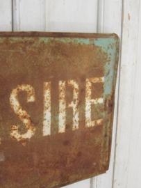 Oude roestige plaat