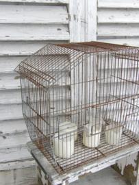 Metalen vogelkooi