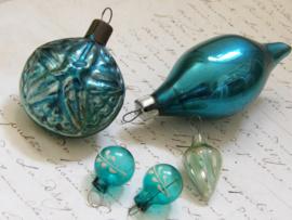5 oude kerstballen