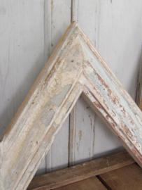Grote houten M of W