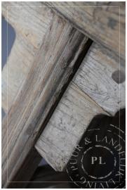 Oude houten bank