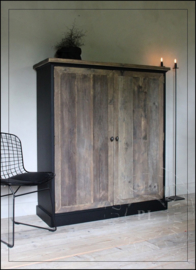 Maatwerk kast / tv meubel / old wood / BLACK VULCANO