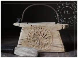 Oude antieke ornament bakjes