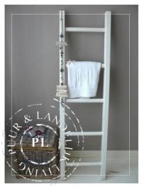 Landelijke decoratieve trap Riviera White *Verkocht*