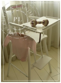 Brocante landelijke kinderstoel `Butterfly` Riviera White *Verkocht*