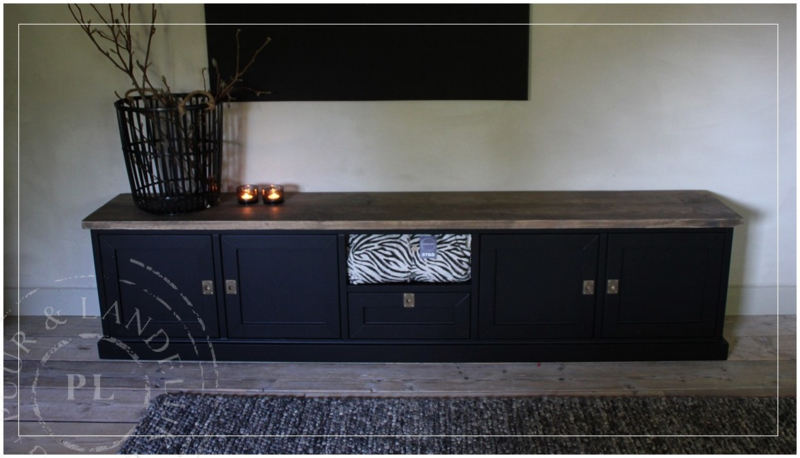 Maatwerk tv meubel BLACK / old wood 5 vaks