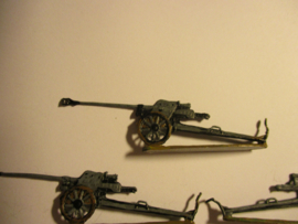 1933 - WWII German anti-tank gun , 5x flat 30mm scale very nice collector paint job. Gerhard Tobinnus (To) (16334)