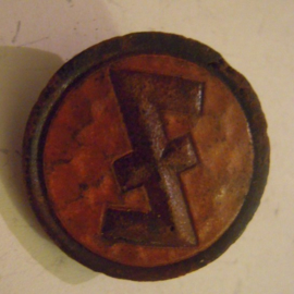 1936-2-1/2 German WHW donation pin. Rune sign - Eihwaz.  Leatherlight brown background T033.2 (14375)