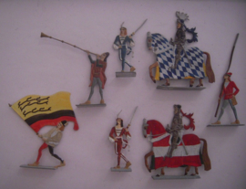 1100 - 1200's Medieval knights and armigers , 7x flat 50mm scale (16077)