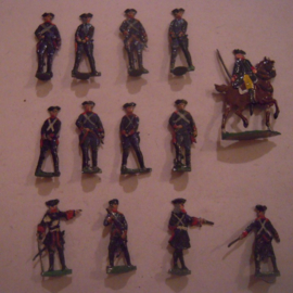 1760 Prussian pistol practice + officer on horse , 13x flat 30mm scale. Heinrichsen + hoseman Kieler (15674)