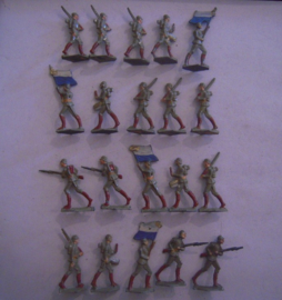 1916 German infantry WWI , 20x  semi-flat !!! 30mm scale. Old and scarce !!! (15729)
