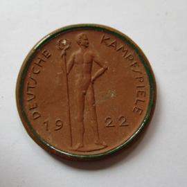 1922 Berlin , German Summer Games , participants souvenir. Green decor !!! Teichert - Meissen 38mm Not mentioned in Scheuch (16204)