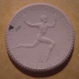 Berlin , 15 Mark 1921 - Duitse Sportbond. Meissen Porselein 40mm Sch353n - VI (12948)