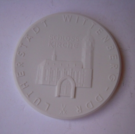 1983 Wittenberg , Martin Luther accolade - Castle Church. Meissen Porcelain 63mm W7418.2 - III (14472)