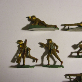 1914 English infantry WWI , Vickers machine gun unit , 13x flat 30mm scale. Kieler Zinnfiguren (16425)