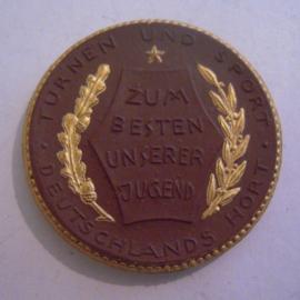 Berlin 15 Mark 1921 - no value/date - German Gymnastics. Gold décor !! Meissen Porcelain 42mm Sch354d - VI (14520)