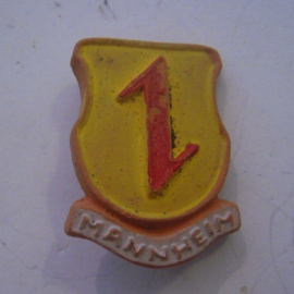 Gau Baden Alsace 1940's WHW donation pin. Coat of arms cities Baden - Alsace - Mannheim. Ceramic T085 (14729)