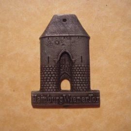 1942-06-27/28 German Red Cross donation gift. Famous city gates - Hainburg (AUT) - Wienertor. Synthetic grey , black patina T083  (12727)