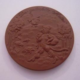 2007 Meissen , Tag der offenen Tür - der gestiefelte Kater. Meissen Porzellan 43mm braun (14610)
