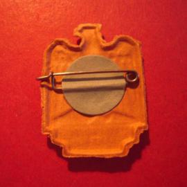 1939 Wehrkreis XIII Franken, Mainfranken - Tag der Wehrmacht donation pin. Soldier+ Eagle. Pressed cardboard silver colored 27x36mm T73.001 (12379)