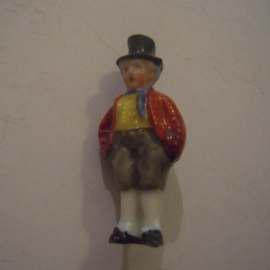 1937-03-20/21 German WHW donation pin. German folk costums - Quadripoint farmer. Porcelain 40mm T076 (15047)