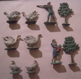 Wild geese  hunter , 10x flat 50mm scale.  Merten - Berlin 1950/60's (16171)