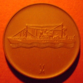 1972-74 Stralsund , Meeresmuseum - Schiff. Meissen Porzellan 40mm W5441.1 - II (5943)